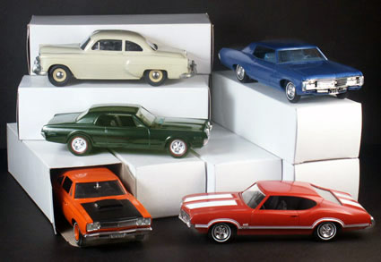 perfect for storing and transporting model car kits and promos
